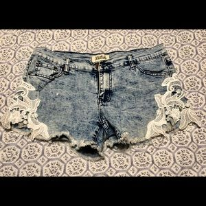 Boutique Denim cutoff shorts with lace